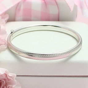 Beaded Edge Silver Bangle Bracelet 5.25 in.