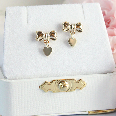 14kt Gold Bow and Heart Earrings